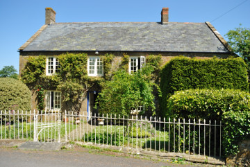 Front view of Myrtle House, from the quiet lane